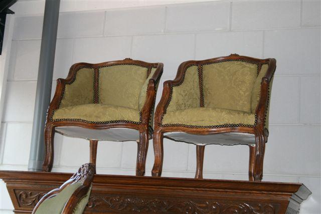 2-antieke-stoeltjes