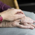Geruststelling bejaarde om verhuizing en ontruiming